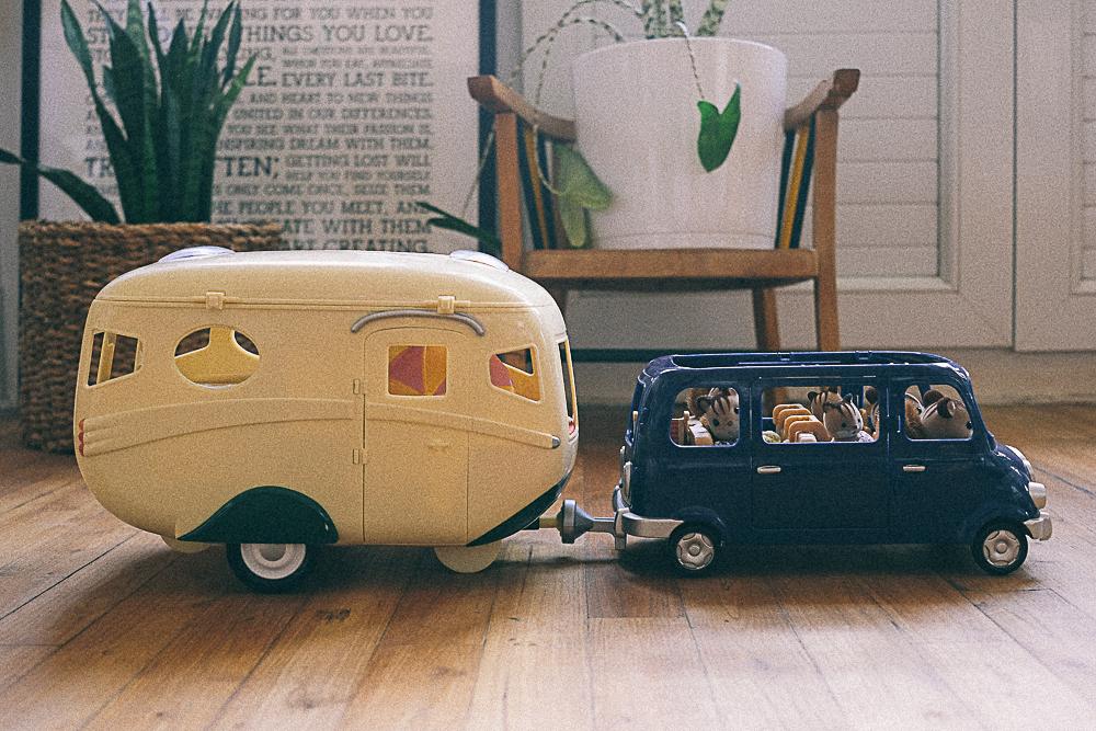caravane et famille écureuil sylvanian families
