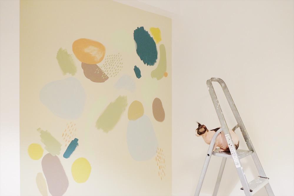 réaliser une fresque décorative en peinture colorée